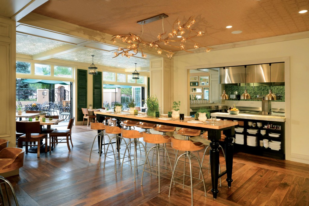 Colorado's Natural Epicurean restaurant serves local and organic cuisine and drinks.