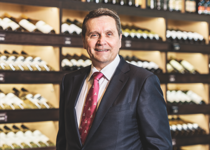 As CEO and chairman of parent company Roundy's Inc., Robert A. Mariano oversees the retail chain Mariano's, which has 33 units in Chicago and the surrounding suburbs.