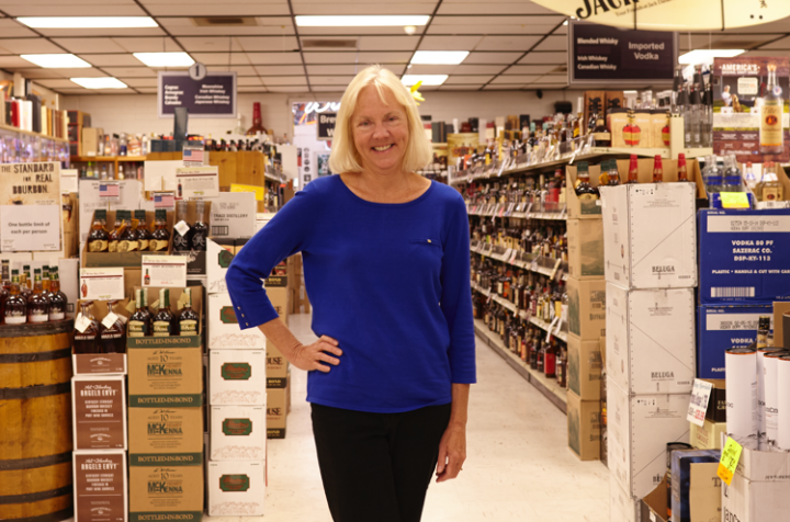 Diana Hirst serves as CEO of the single-unit Hi-Time Wine Cellars in Costa Mesa, California. Hirst's father, Fritz Hanson, founded the 22,000-square-foot store in 1957, and the company remains under family ownership.