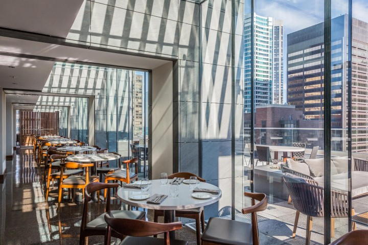 Situated on the 18th floor of a building in the Streeterville neighborhood, GreenRiver offers sweeping views of the Chicago skyline and Lake Michigan.