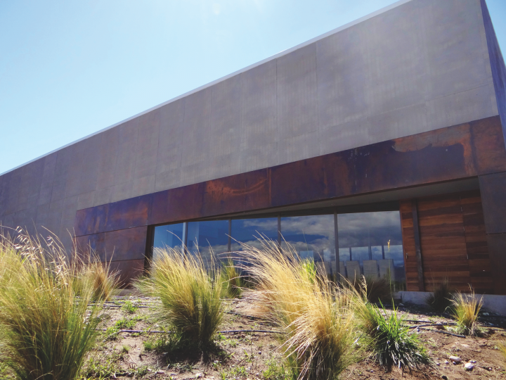 Despite back-to-back low harvest years in 2016 and 2017, Vino del Sol (Bodega San Pablo Tapiz exterior pictured) is holding the line thanks to its Malbec, red blends, and Cabernet Sauvignon.