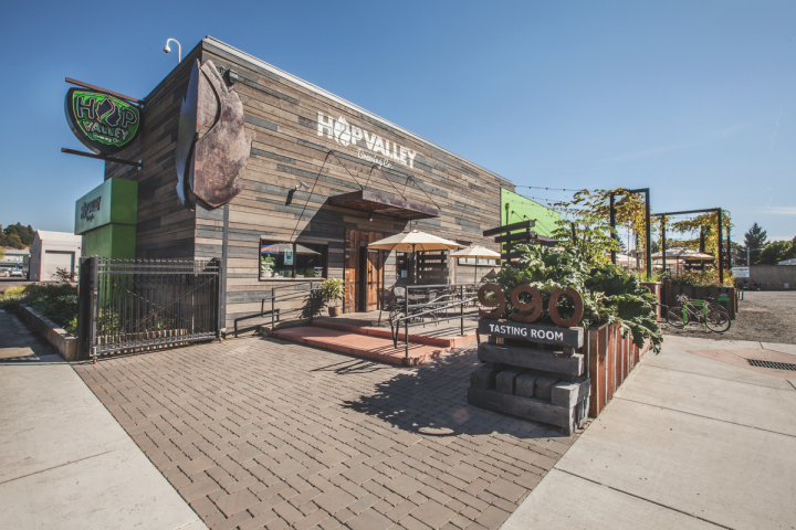 MillerCoors' Tenth and Blake subsidiary acquired Oregon craft player Hop Valley Brewing (exterior pictured) in 2016.