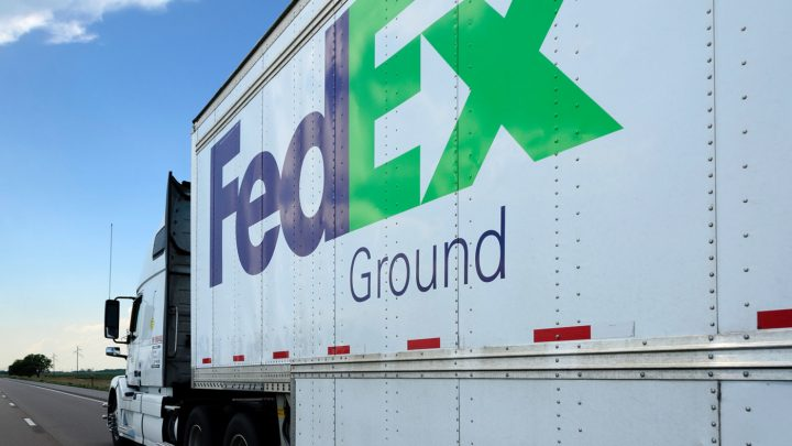 A new ruling states that wine retailers are now able to legally ship products directly to consumers in the state of Florida, using common carries such as FedEx (truck above) and UPS.