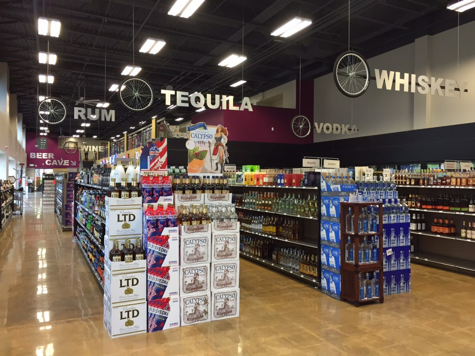 In Fort Collins, Colorado, Mulberry Max Beer Wine Spirits offers 900 spirits SKUs and 1,000 SKUs each of beer and wine. The store boasts a highly trained and knowledgeable staff.