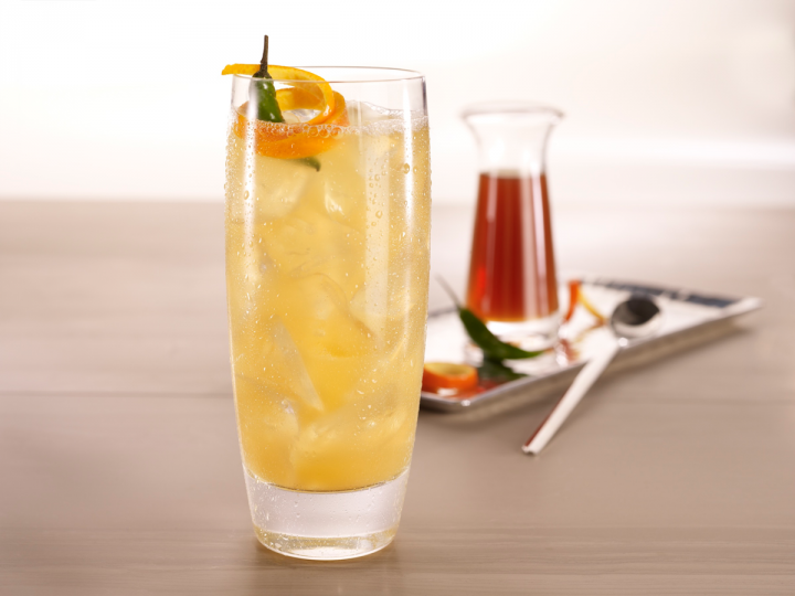 The Earl of Harlem has a spicy profile, mixing vodka with simple syrup, lemon juice and a syrup of Earl Grey tea, chili, coriander, sugar and honey.