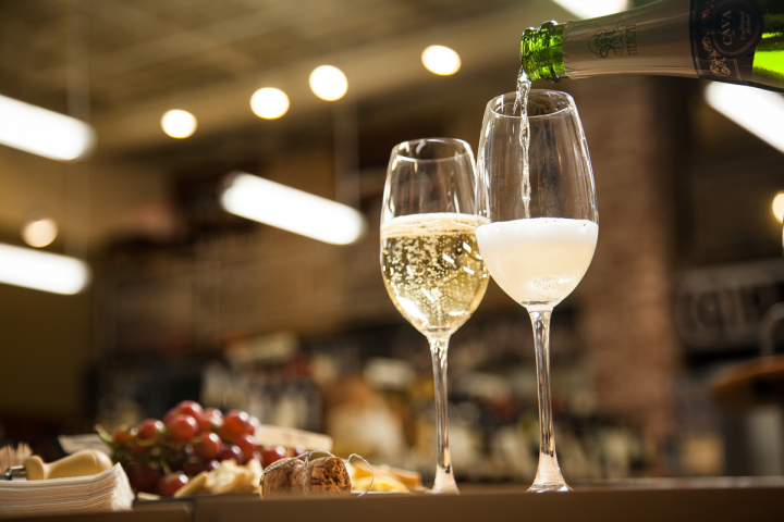 In-store tastings focus on specific topics, such as sparkling wine.