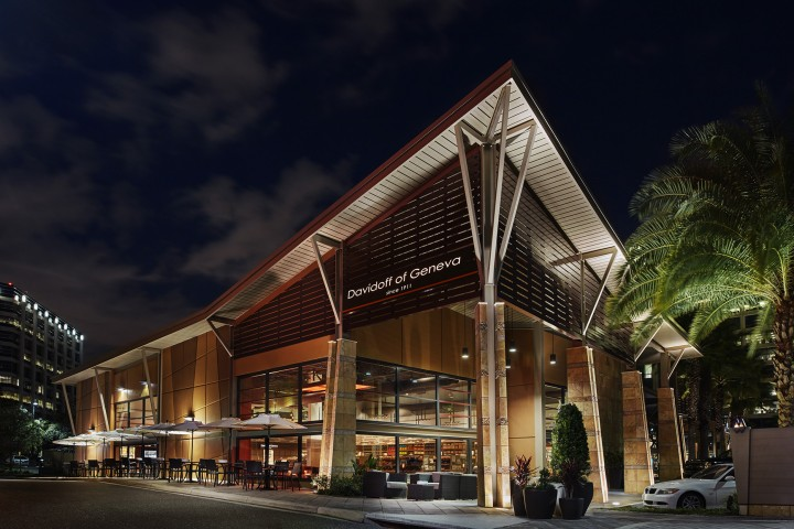 Davidoff of Geneva has opened two new cigar bars, located in Las Vegas and Tampa, Florida (pictured).