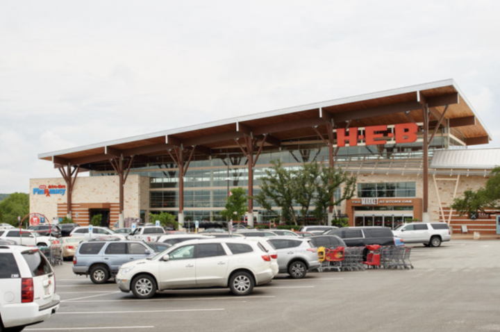 H-E-B (San Antonio, Texas store exterior pictured) is aiding local restaurant operators with a new program to sell their prepared meals in its stores.