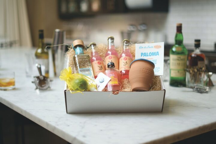 Chicago restaurant company Lettuce Entertain You has reached consumers at home with mixology kits from its virtual cocktail bar Gin And Juice (Paloma kit pictured).