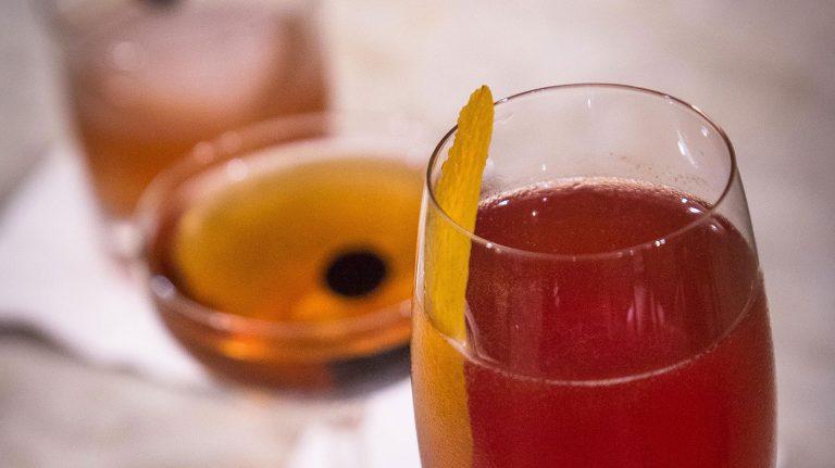 Seelbach Cocktail [Cocktail Recipe]