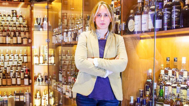 How One Auctioneer Helped Police Catch a Whisky Thief