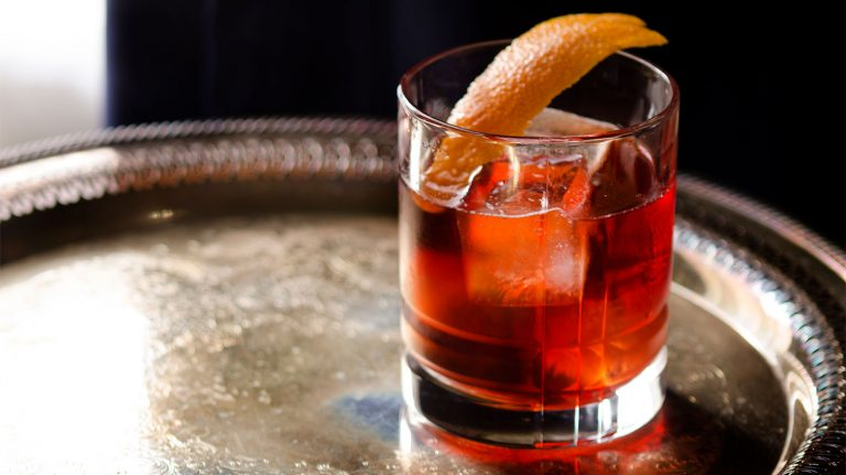 Essential Whiskey Cocktail: Boulevardier