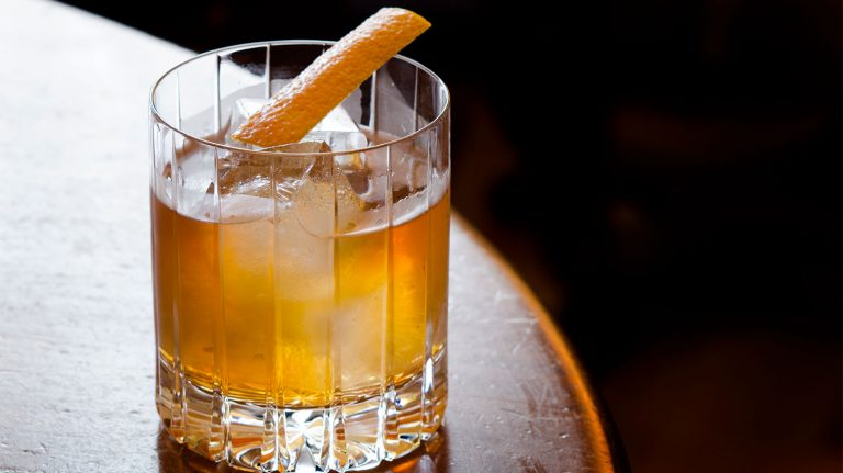 Essential Whiskey Cocktail: Old Fashioned