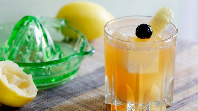 Essential Whiskey Cocktail: Whiskey Sour