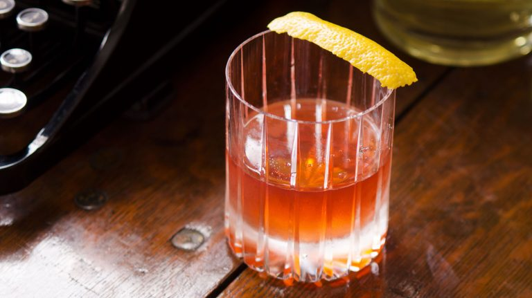 Essential Whiskey Cocktail: Sazerac