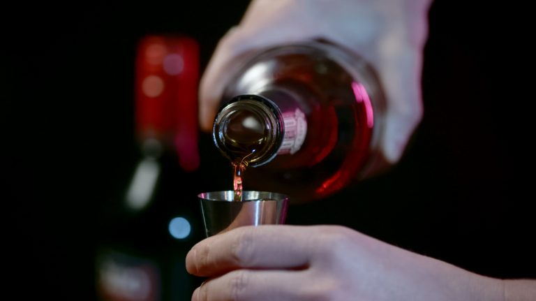 VIDEO: How to Make a Manhattan