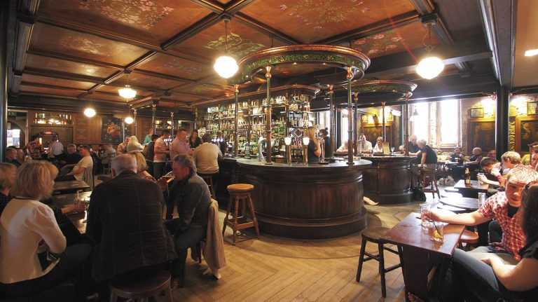 Drink Whisky Like a Local in Glasgow