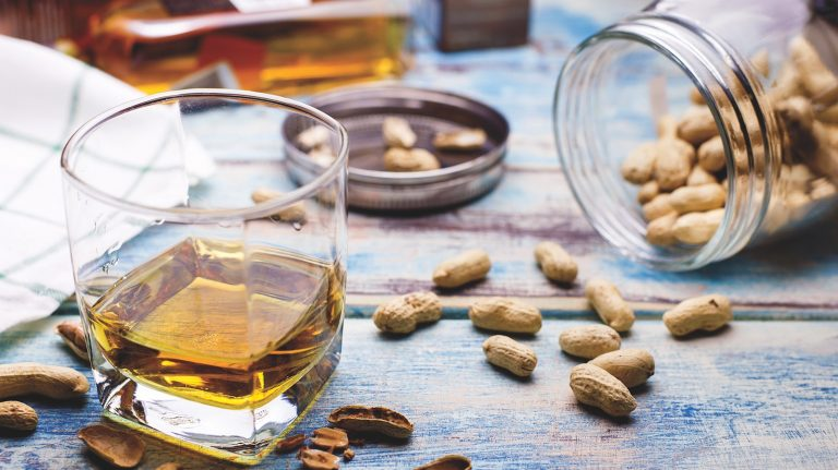 How to Pair Whisky and Nuts