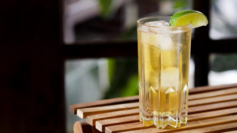 Essential Whiskey Cocktail: Whiskey Ginger
