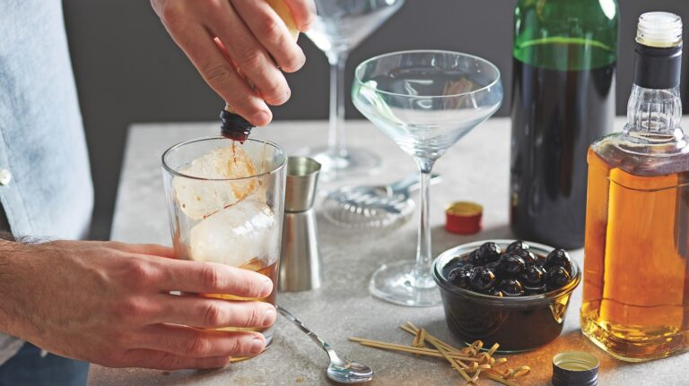 The Best Whisky Cocktails Can Be Made at Home